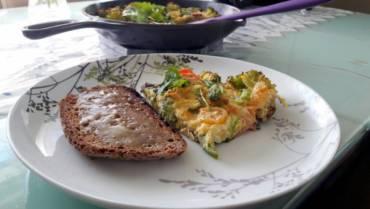 Fritatta – minha refeição preferida pra um café da manhã tarde ou almoço